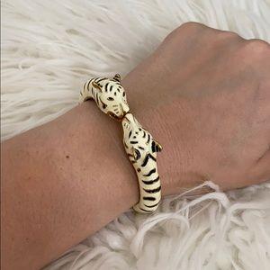 Express tiger bracelet